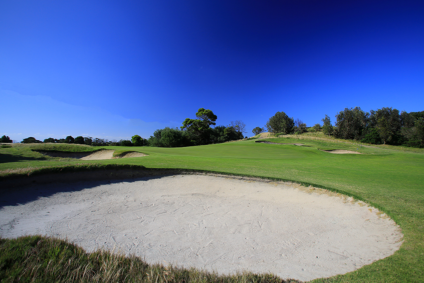 Curlewis 2nd hole 02